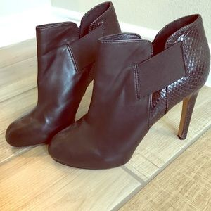Vince Camuto booties *worn once*